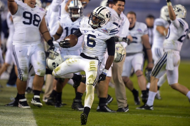 BYU lost starting cornerback Jordan Johnson (No. 6) to a season-ending knee injury on Monday. (USATSI)