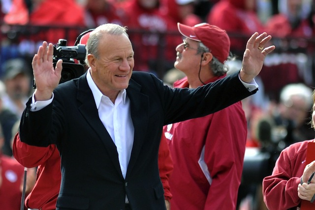 Barry Switzer's criticism of Johnny Manziel has become a media event of its own.  (USATSI)