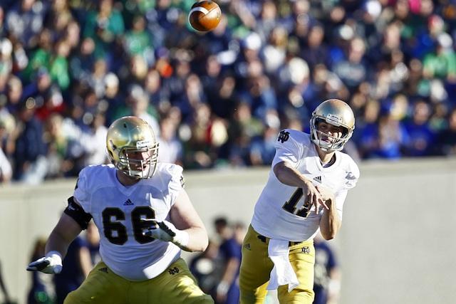 Notre Dame starting guard Chris Watt (knee) will miss the Pinstripe Bowl.  (USATSI)