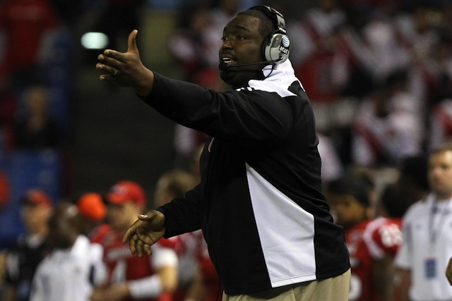 Clint Hurtt, pictured above in 2010, will leave Louisville to join the Chicago Bears staff. (USATSI)