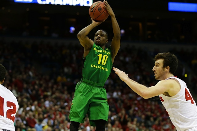 Johnathan Loyd set the UO career wins mark in basketball.  (USATSI)