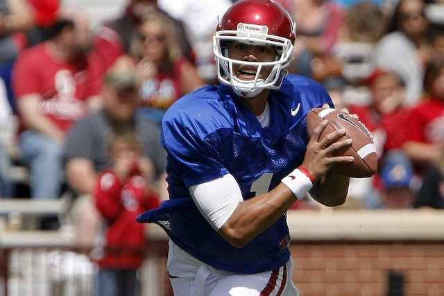 Oklahoma quarterback Kendal Thompson (fractured foot) will miss the rest of preseason. (USATSI)