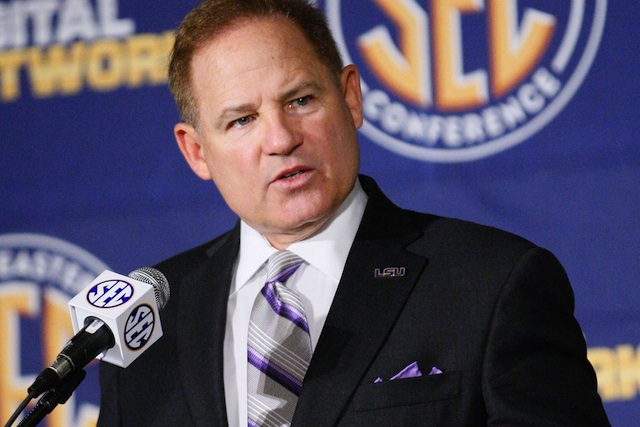 Les Miles brought the facts with him to criticize the fairness in SEC scheduling. (USATSI)