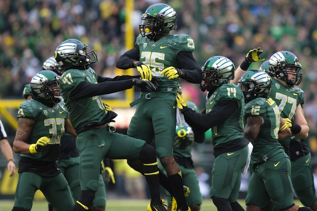 Oregon's defense leads the Pac-12 and ranks No. 10 nationally in turnovers gained. (USATSI)