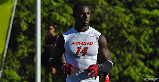 Five-star linebacker Rashaan Evans will choose between Auburn and Alabama at 11:45 a.m..  (USATSI)
