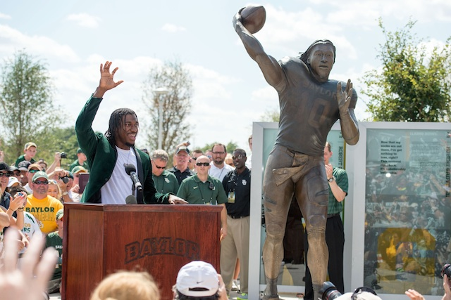 Robert Griffin III was on hand as Baylor unveiled a statue of the former Heismain winner. (USATSI)