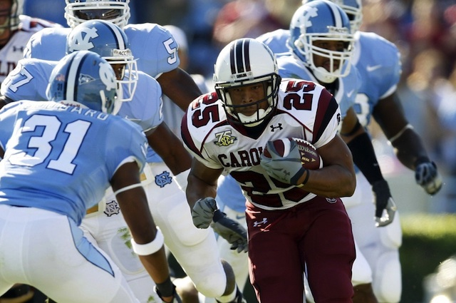 North Carolina and South Carolina will reportedly kick off the 2015 season in Charlotte, N.C.. (USATSI)