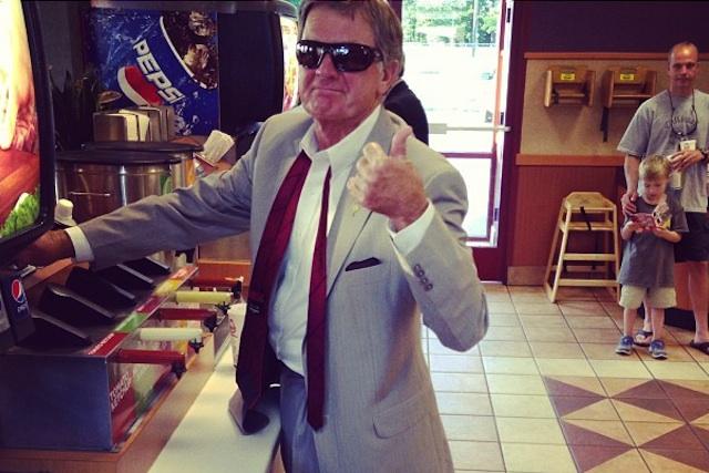 Thumbs up from South Carolina coach Steve Spurrier. (Jadeveon Clowney/Instagram)