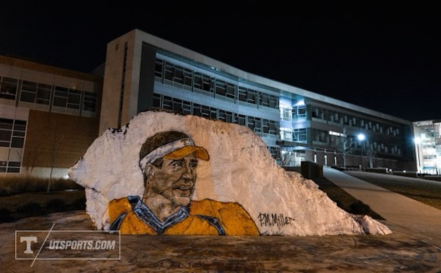 Tennessee-peyton-manning-the-rock