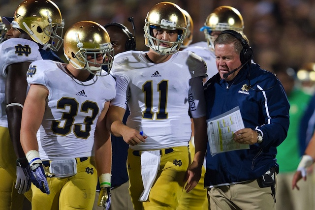 With a thin Top 25 slate, all eyes will be on Tommy Rees and the Fighting Irish Saturday afternoon. (USATSI)