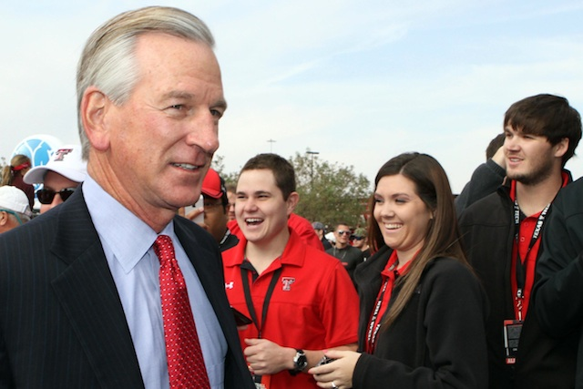 Tommy Tuberville hopes to lead Cincinnati to their fifth conference title in six years. (USATSI)
