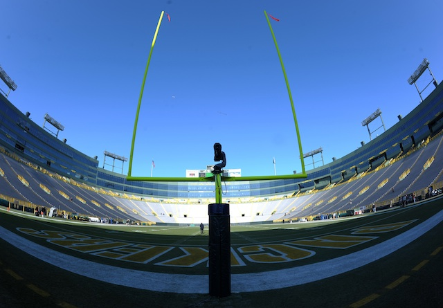 The frozen tundra of Lambeau Field will host LSU and Wisconsin in 2016