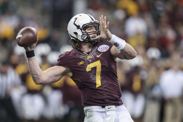 Minnesota fans hope Mitch Leidner can improve as a passing threat in 2014