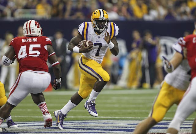 Leonard Fournette struggled in his LSU debut against Wisconsin