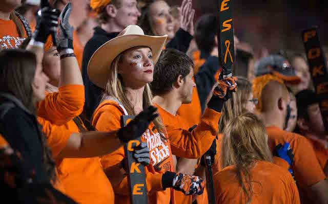 cbs college sports who plays saturday night football