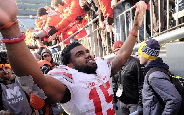 Ohio State's Ezekiel Elliott cited after car crash but will play in Fiesta Bowl
