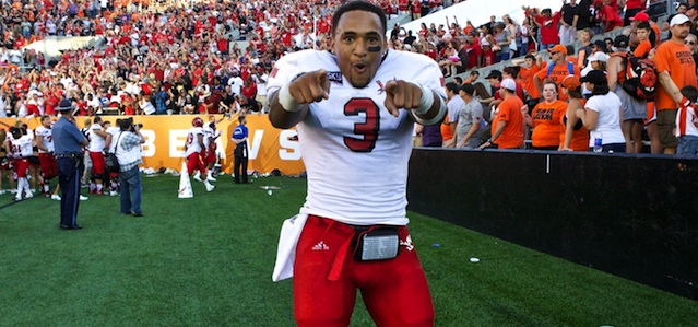 Vernon Adams led Eastern Washington with 411 yards passing, 107 rushing yards and six total touchdowns in an upset of Oregon State. (USATSI)