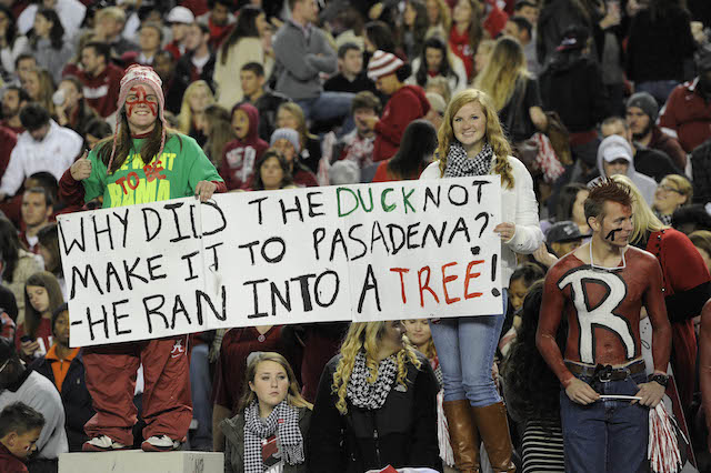 Alabama fans know how to twist the knife (USATSI)