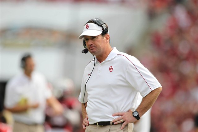 Bob Stoops' family was unharmed during a home invasion early Wednesday. (USATSI)