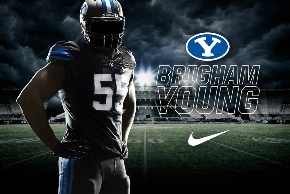 PHOTOS BYU Debuts Blackout Uniforms For Oct 13 Oregon State Game