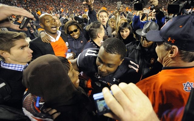 Chris Davis celebrates the biggest play in Iron Bowl history. (USATSI)
