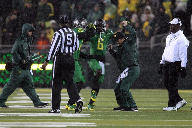 De'Anthony Thomas was injured on the opening kickoff vs. Cal. (USATSI)