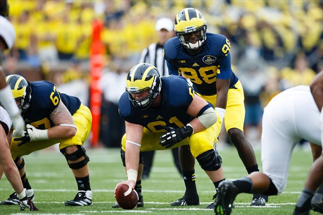 Graham Glasgow started all 13 games for Michigan in 2013. (USATSI)