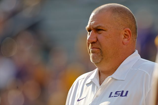 Greg Studrawa called plays for LSU's 2011 SEC champions. (USATSI)