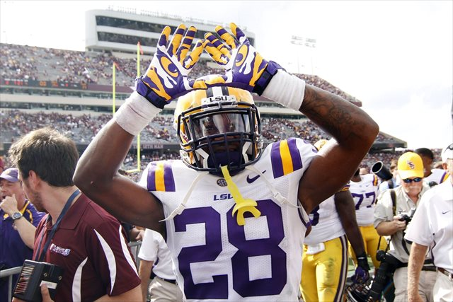 Report: LSU DB Jalen Mills charged with second-degree battery