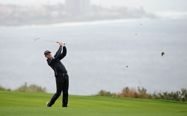 Snedeker winds up a winner at Torrey Pines