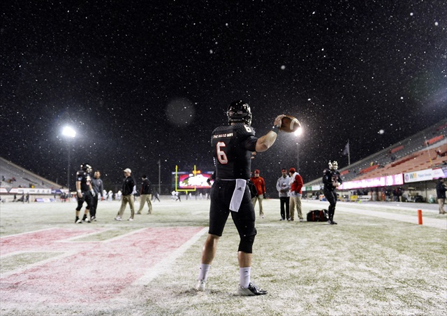 Jordan Lynch wasn't exactly bothered by the weather. (USATSI)