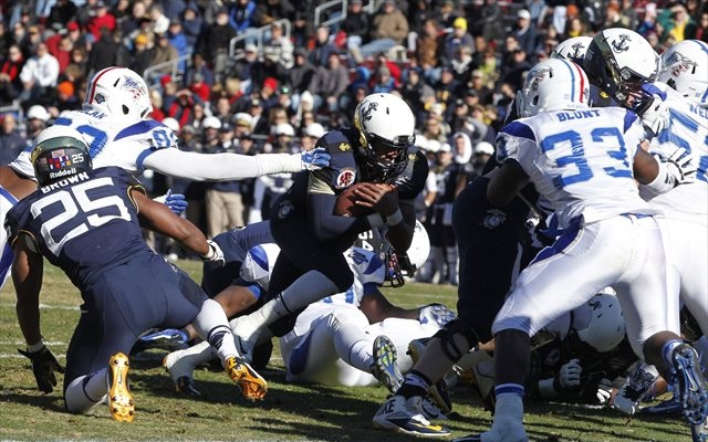 Keenan Reynolds became the first quarterback to rush for 30 touchdowns in a season. (USATSI)
