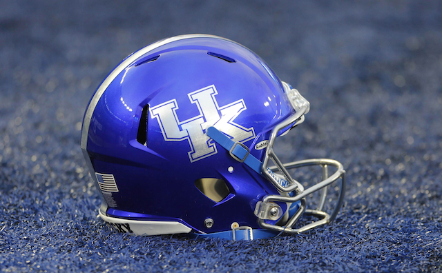Kentucky Basketball Our First Look At The New Wildcats In: Kentucky To Honor First Four Black Football Players With