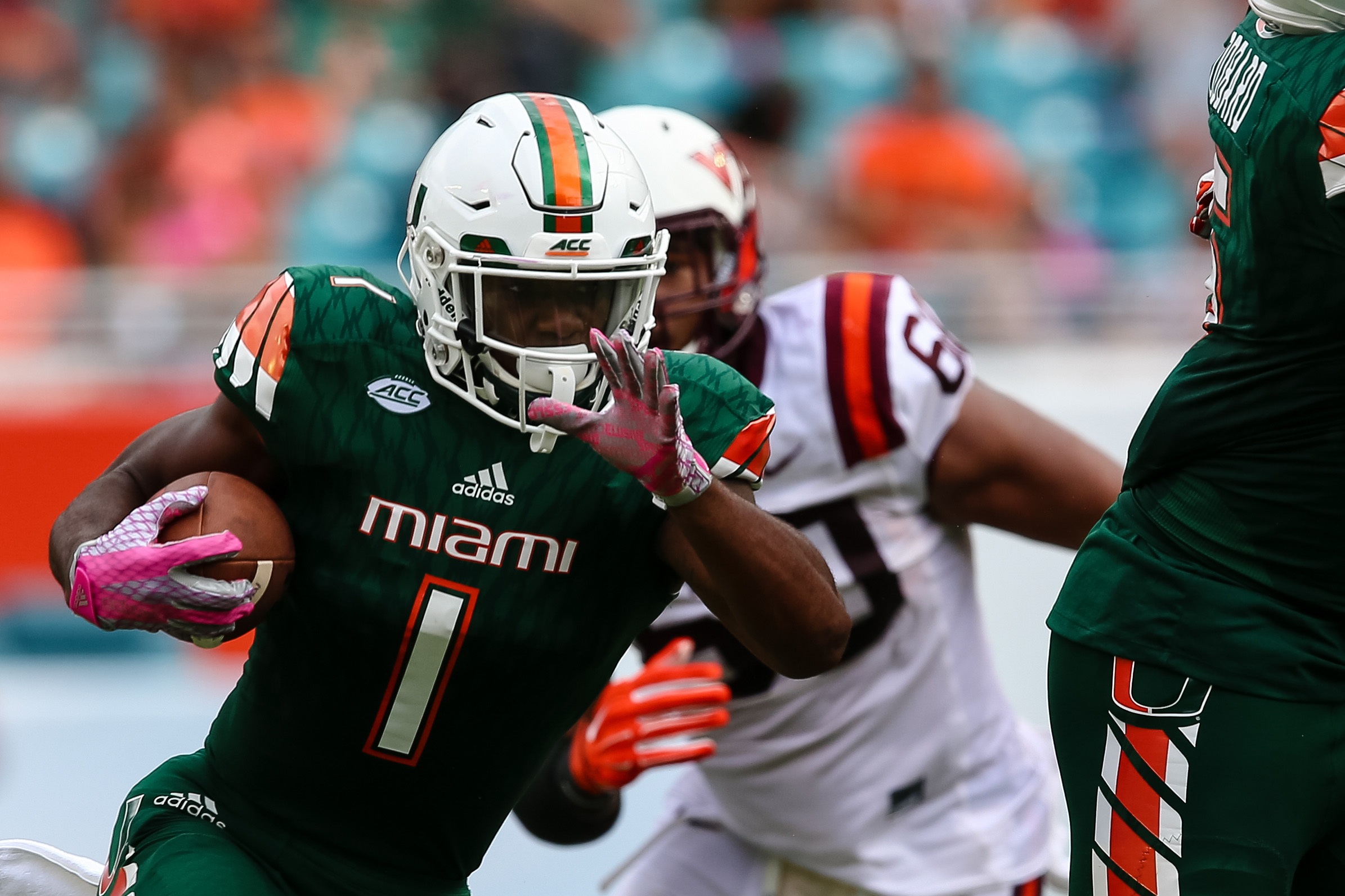 Miami S Top Rb Mark Walton Suspended After Dui Charge