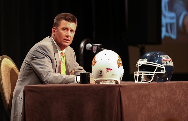 Mike Gundy is about to face plenty of off-field questions. (USATSI)