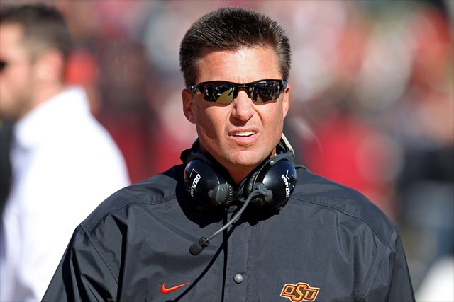 Oklahoma State coach Mike Gundy voiced his criticism of the proposed substitution rule on Twitter.  (USATSI)