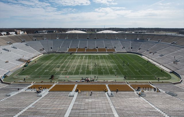 The field at Notre Dame Stadium showed some wear and tear at the spring game. (USATSI)