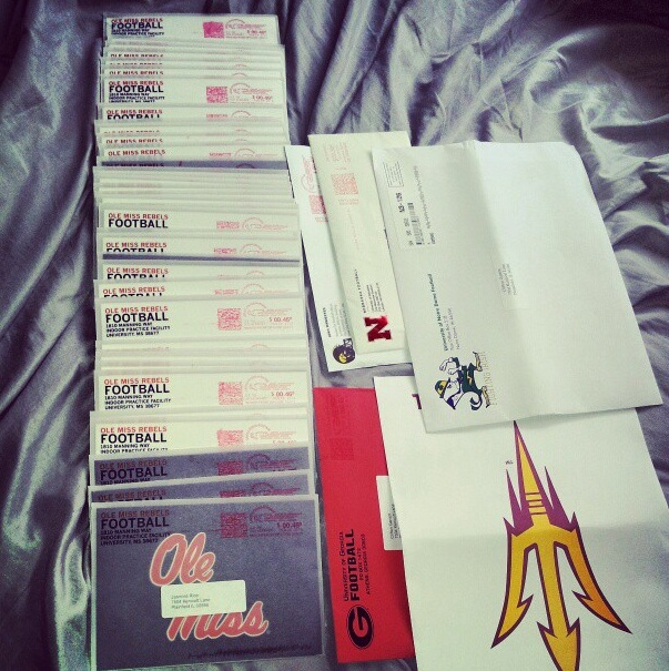PHOTO: Ole Miss sends 2014 recruit 54 handwritten letters ...
