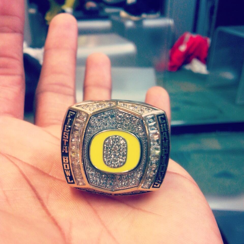 PHOTO: Oregon gets Fiesta Bowl championship rings ...