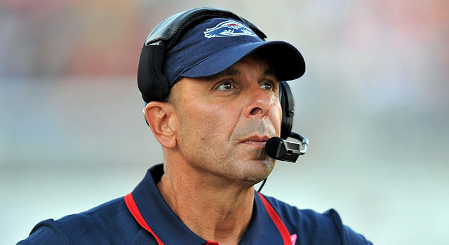 Carl Pelini blames FAU AD Pat Chun for wanting to run him out as head coach. (USATSI)