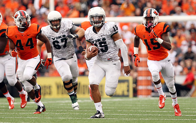 Portland State's Paris Penn heads up field against Oregon State. (USATSI)