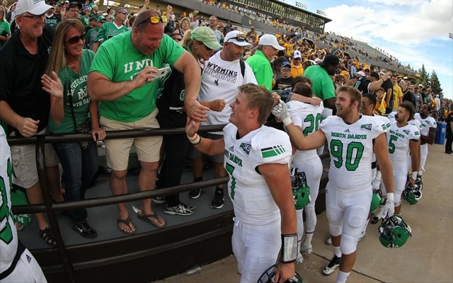 North Dakota Announces Fighting Hawks As New School Nickname Cbssports Com