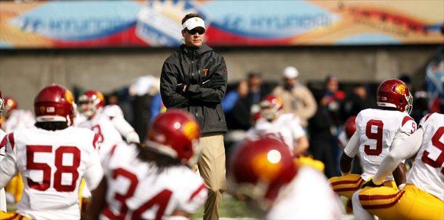 Can Lane Kiffin and USC bounce back to a 11-win season? (USATSI)