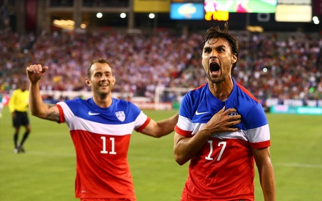Chris Wondolowski (right) may have helped his World Cup chances with a well-taken goal. (USATSI)