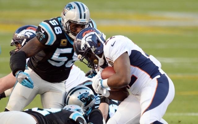 meet 0e2eb d5e9e LOOK: Thomas Davis' forearm was stitched like football for ...