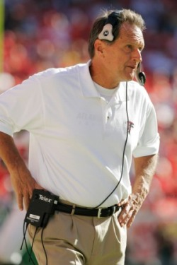 Alex Gibbs, shown here with Atlanta in 2004, abruptly resigned as Seattle's OL coach today (Getty).