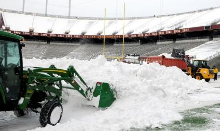 Workers try to get TCF Bank Stadium ready for Monday's game (Getty).