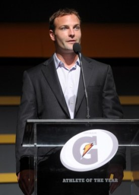 W. Welker speaks at the Gatorade National Athlete awards (US Presswire).