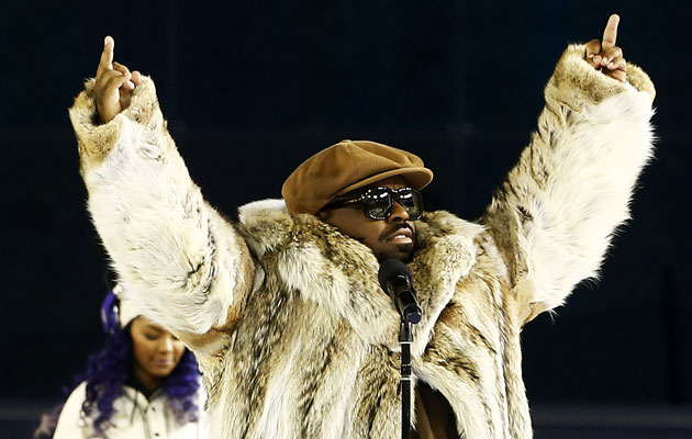 CeeLo lets the fans know they are all No. 1. (Getty Images)