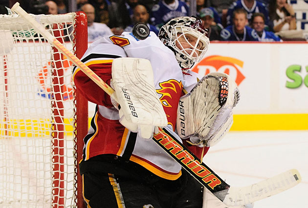 Calgary Flames goaltender Miikka Kiprusoff is expected to remain with the team. (Getty Images)